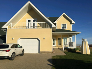 Gorgeous 2 storey fully furnished house in pigeon lake