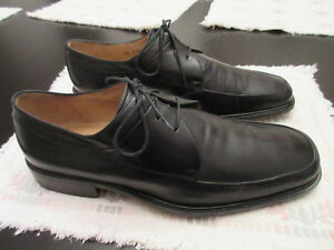 Johnston & Murphy Men`s Black Dress Shoes 11W (slightly used)