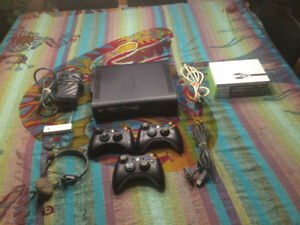 120 GB XBOX 360 ELITE WITH 6 GAMES