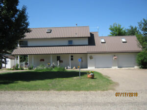 Rural/ Outdoor Lifestyle at Gull Lake - Want to Share Home