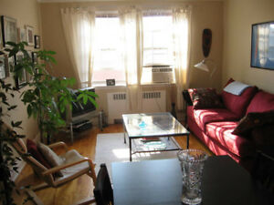 LARGE, BRIGHT 4 ½ in NDG - $890/mth Heat incl.!
