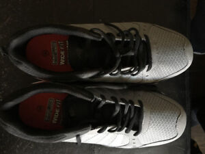 Men's size 10 wide running shoes