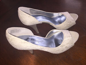 Lace and Sequence Wedding Shoes - size 7 Sarnia Sarnia Area image 1