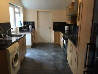 Double Room for rent (Close to the University) Bills included + WIFI