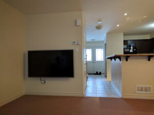 Bright and Spacious 4 Bedrooms at Gordon/Vaughan for Rent