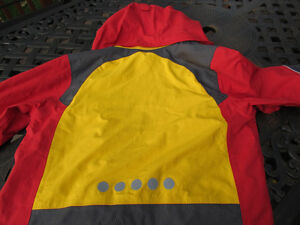 Exclusive Brand Jacket by VAUDE, size 14 unisex-like new Strathcona County Edmonton Area image 5