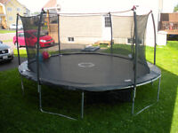 Trainor Sports 17' Oval Trampoline and Enclosure Combo