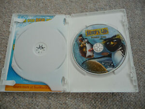 Surf's Up - Widescreen Special Edition 2-Disc on DVD Kitchener / Waterloo Kitchener Area image 3