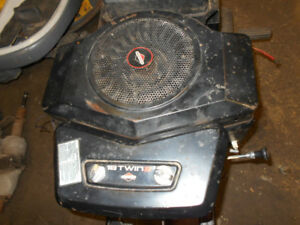 Briggs & Stratton 18 hp engine 4 garden tractor riding lawnmower