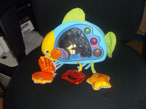 Cribe night light, Winnie the pooh and oceanic cribe toys