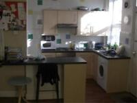 3 bedrooms in Beechwood Row, Burley, Leeds LS4 2LY