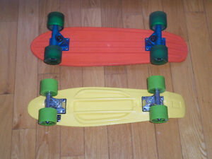 2 skates boards planches a roulettes game globe Abec 5