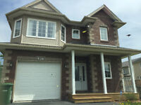 Beautiful and Large 4 Bedroom House in Bedford