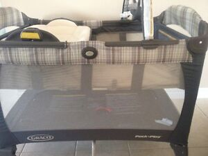 Graco Pack N Play $100.00 OBO Cambridge Kitchener Area image 4