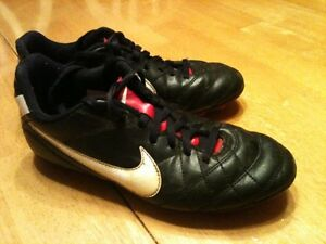 Girls size 3 cleats
