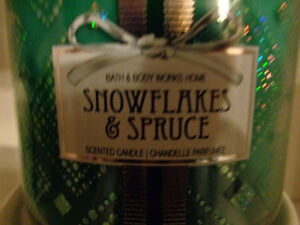 Bath& Body Works Christmas Candle and Stand (New) Windsor Region Ontario image 5