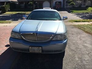 Lincoln town 2009 car for sale 3500$ propane equipped