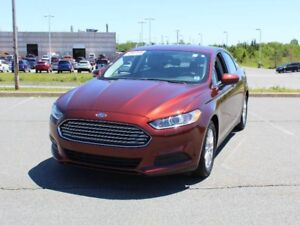 2016 FORD FUSION with Back Up Camera and Remote Start!