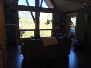 Great Deal Two Master Bedroom plus loft and a View to die for.