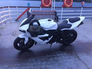2004 yamaha R1 speed bike