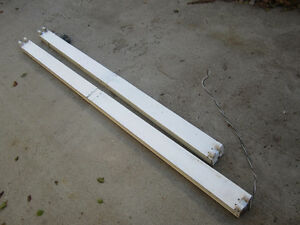 8ft and 7ft Fluorescent Fixture Regina Regina Area image 1