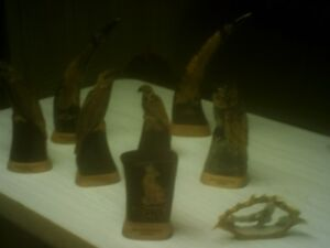BEAUTIFULL HAND CARVED WOOD ANIMAL CARVINGS