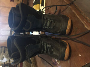 LTD kids board boots size 3
