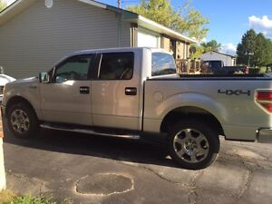 FORD F150 XLT CREW CAB CHEAP LOW KMS!!!