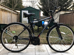 Supercycle Solaris Men's Hybrid Bike, 700C with a lock