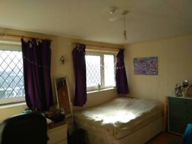 Spacious double room Surbiton 400!!