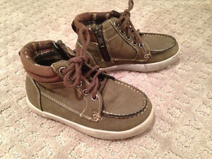 """8 pairs of shoes """"Brand Name"""" boys size 8 & 9 shoes Strathcona County Edmonton Area image 5"""
