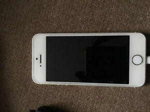 Silver and white iPhone 5s 64 gb