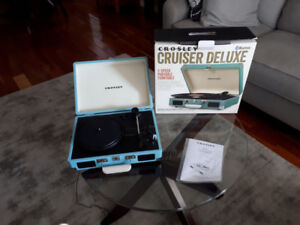 Brand New, Never Used, Cruiser Deluxe Portable Turntable