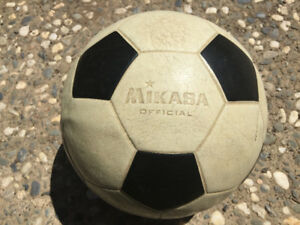 Old vinyl rubber soccer balls wanted! Game used!!!