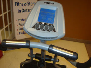 DEALER CERTIFIED Vision Fitness Elliptical Crosstrainer Kitchener / Waterloo Kitchener Area image 3