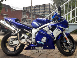 Yamaha R6 with R1 upgraded parts