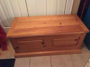 Solid Wood Coffee Table/Hope Chest