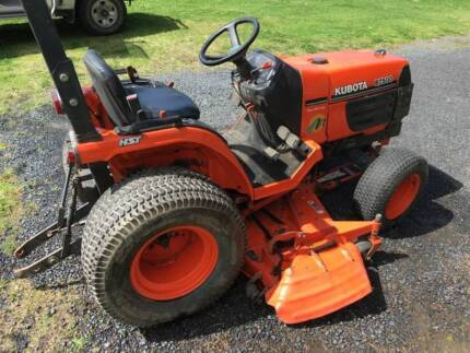 Kubota B7500 tractor with 6 foot, mid mounted mowing deck Upper Orara Coffs Harbour Area Preview