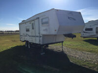 2001 TRAIL HARBOUR 5th Wheel