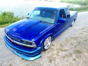 CUSTOM LOWRIDER S10!!!!!!! PRICE DROPPED!