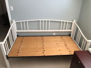 Daybed for sale - best offer
