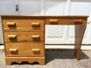 Study Desk - Southern Yellow Pine wood made by St-Barthélemy