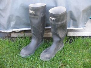 Size #8 Steel Toe Rubber Boots