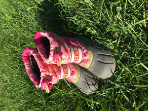 Girls size 9 sorel boots (toddler)