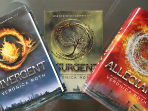 DIVERGENT/INSURGENT/ALLEGIANT by Veronica Roth - Novels
