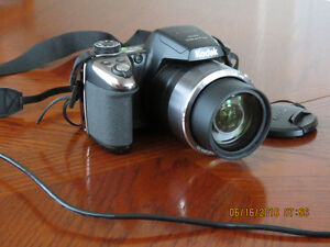 For Quick Sale: KODAK PIXPRO AZ521 Camera