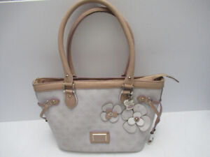 3 Guess bags turquoise, white / beige and black  100% authentic