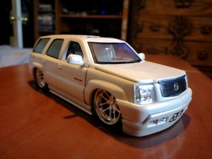 1/24 scale Cadillac Escalade
