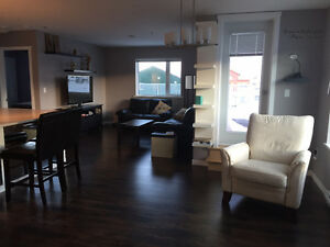2 bedroom condo for rent August 1