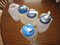 Rubbermaid Drinking Boxes x 5